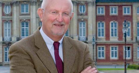 Professor Klaus Backhaus im Gespräch mit der Absatzwirtschaft
